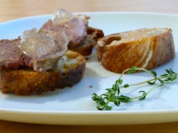 Ente mit Muskateller-Thymian-Gelee und Bohnenpüree